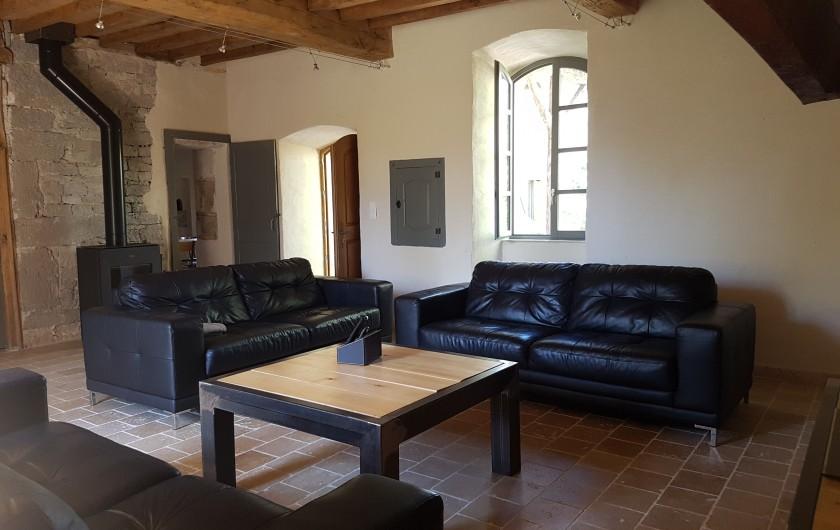 Location de vacances - Gîte à Saint-Antonin-Noble-Val - canapés en cuir