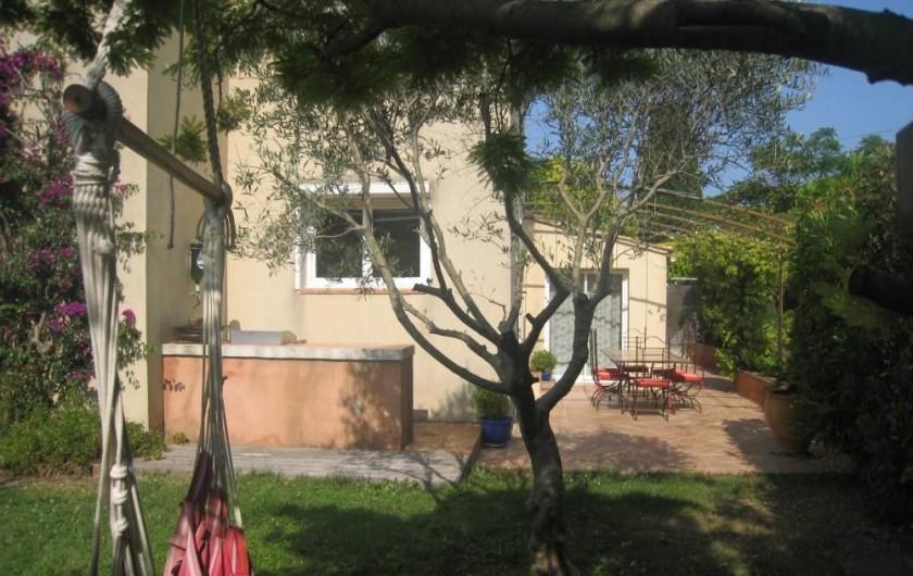 Location de vacances - Maison - Villa à Six-Fours-les-Plages - Jardin, coin barbecue
