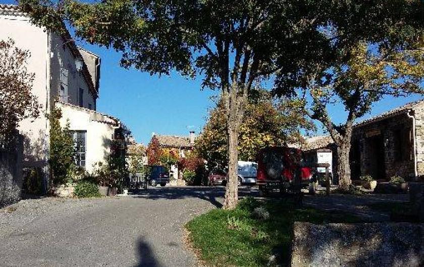 Location de vacances - Villa à Revest-des-Brousses - Place du village