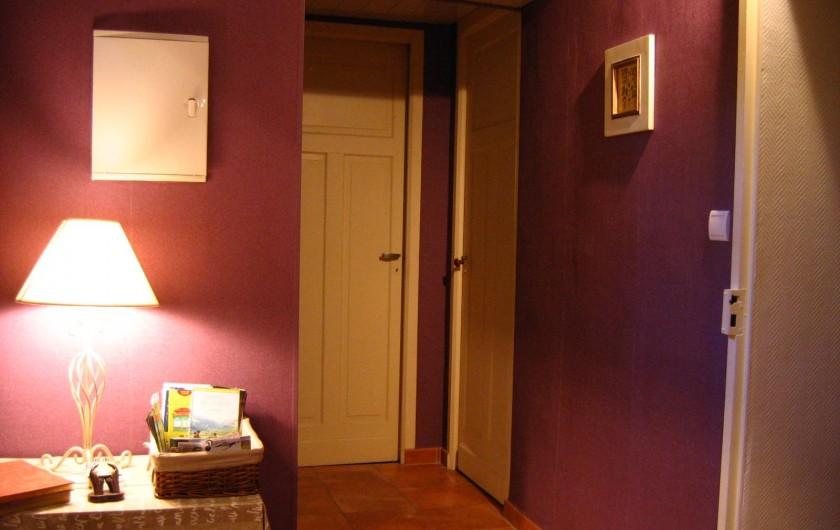 Location de vacances - Appartement à Argelès-Gazost - entrée en bas de l'escalier