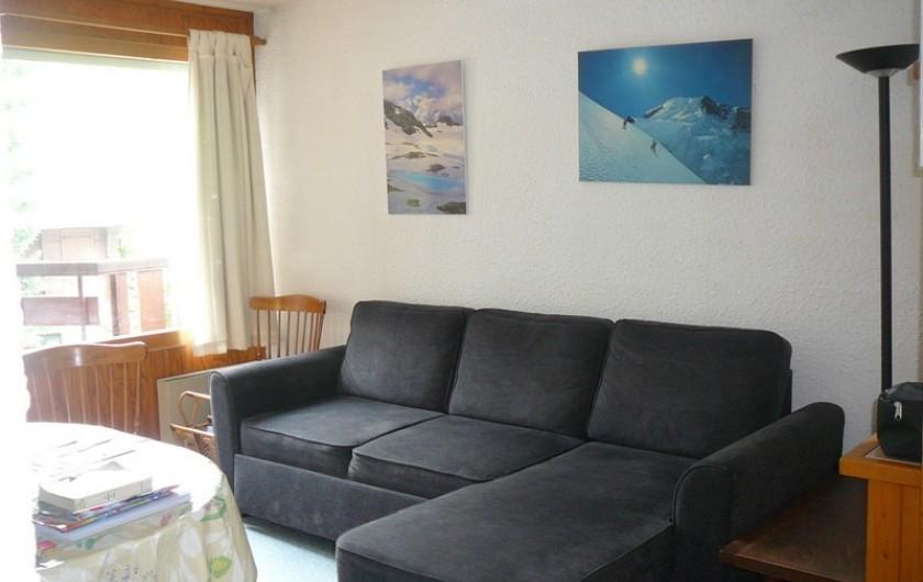 Location de vacances - Appartement à Les Houches - SALON SALLE A MANGER CANAPE LIT DOUBLE