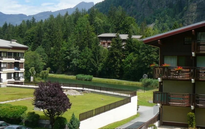 Location de vacances - Appartement à Les Houches - VUE SUR LE LAC DES CHAVANTS