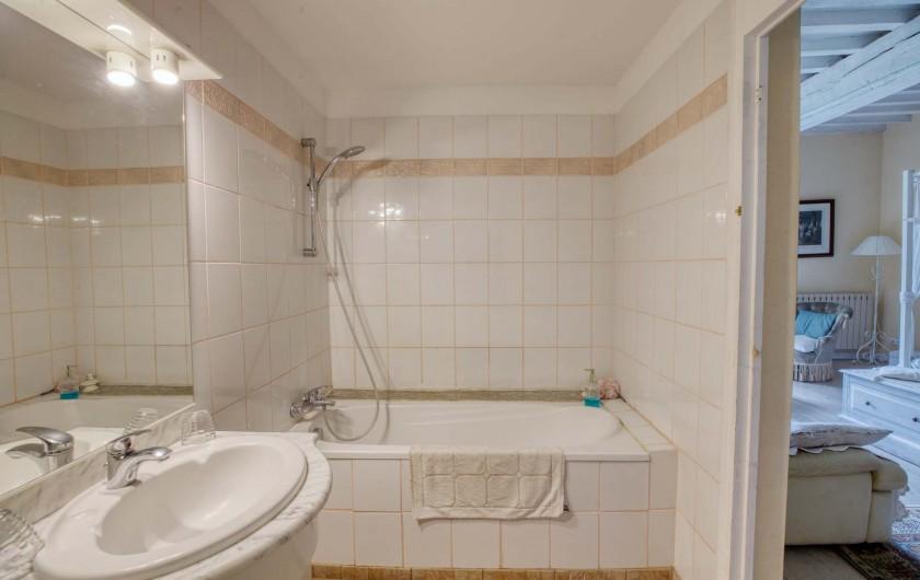 Location de vacances - Château - Manoir à Poligné - Salle de bain Blanche Hermine