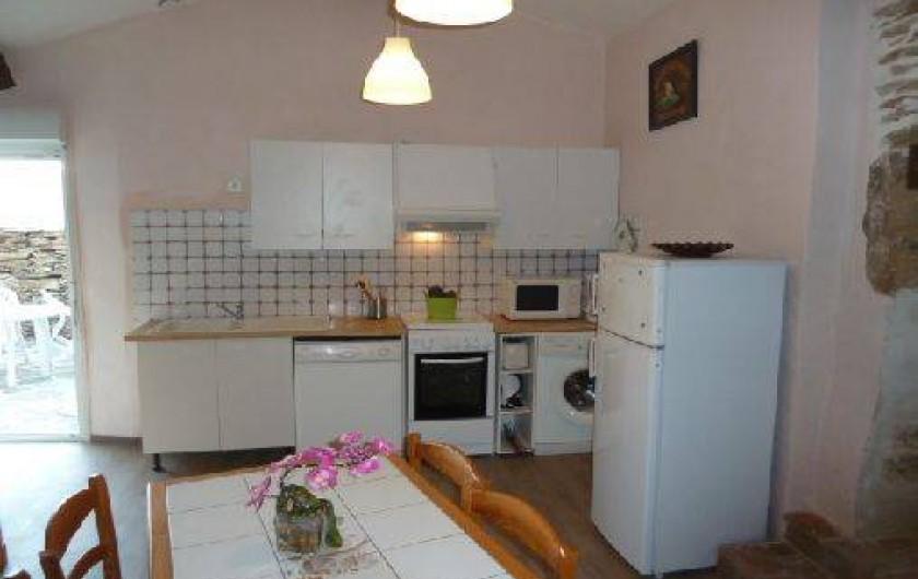Location de vacances - Gîte à Malbosc - cuisine équipé
