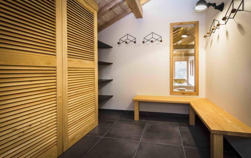 Location de vacances - Chalet à Vars - Ski room à l'entrée du chalet