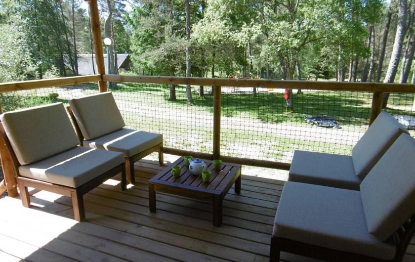 Location de vacances - Camping à Palisse - Terrasse du lodge