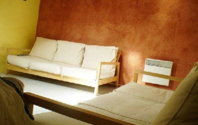 Location de vacances - Appartement à Éguilles - Le salon TV, 2 Sofas 3 places, Grand écran de 120 cm, 3D