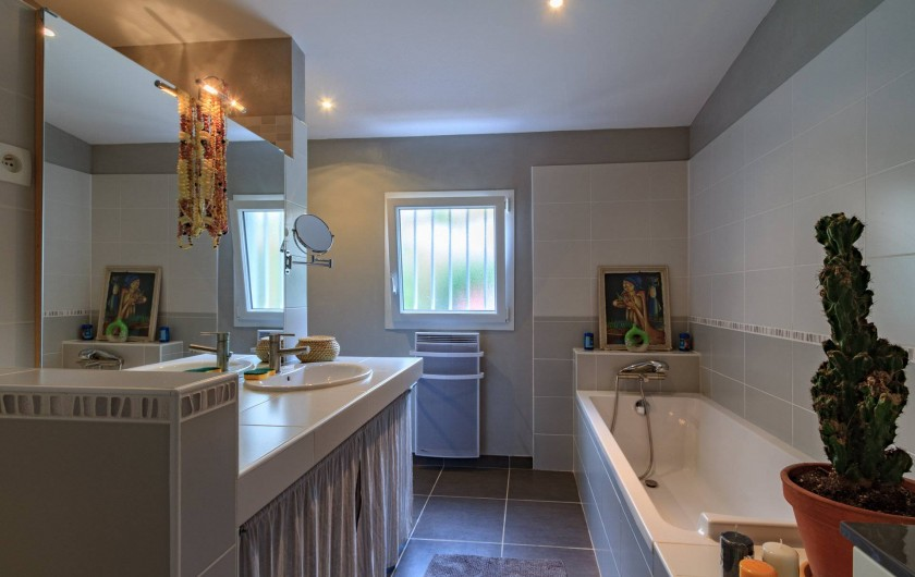 Location de vacances - Villa à Hourtin Plage - Salle de bain