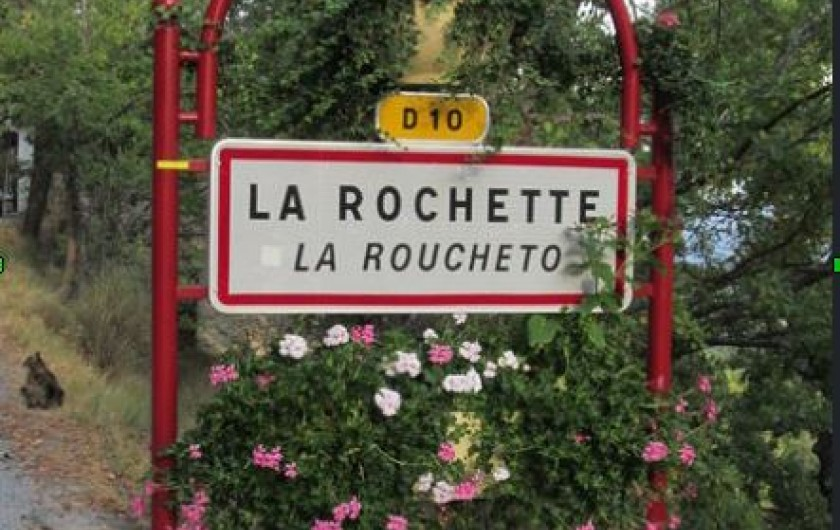 Location de vacances - Gîte à La Rochette - Entrée du village