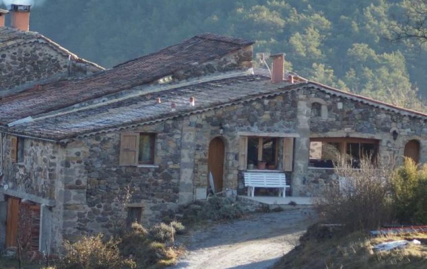 Location de vacances - Gîte à La Rochette - Les entrées des gites 6 et 3 pièces