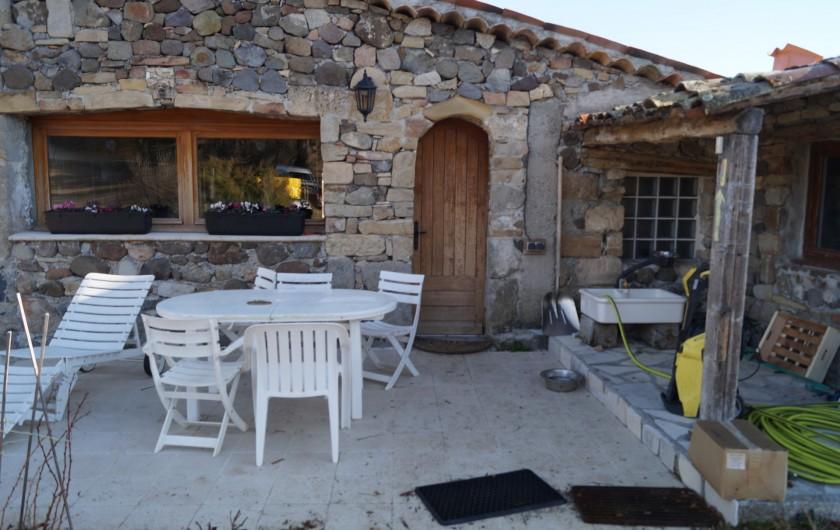 Location de vacances - Gîte à La Rochette - entrée principale du gîte 6 pièces