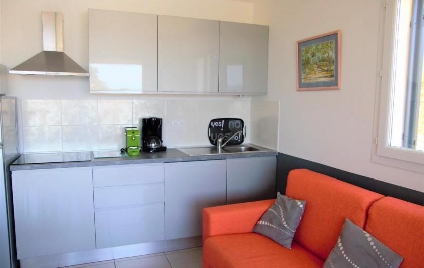Location de vacances - Appartement à Santa-Lucia-di-Moriani - Cuisine équipée