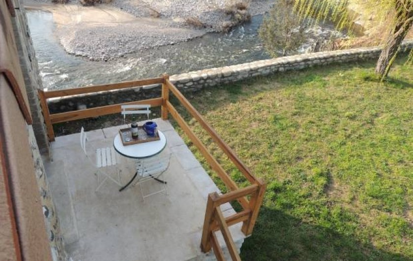 Location de vacances - Gîte à Saint-Fortunat-sur-Eyrieux - le balcon