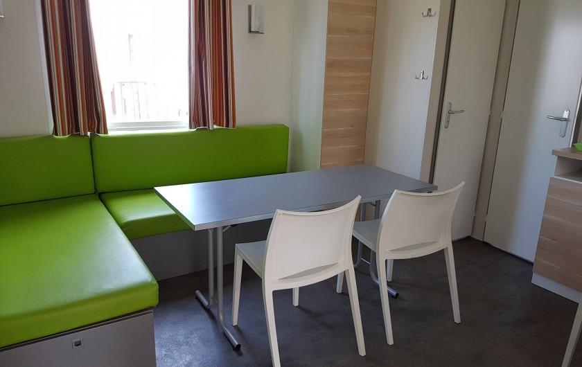 Location de vacances - Camping à Givrand - Intérieur mobil-home 3 chambres