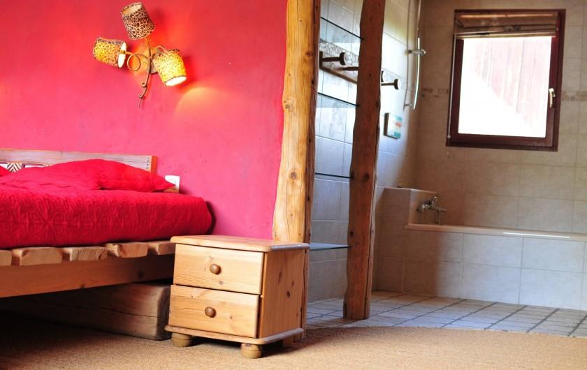 Location de vacances - Chalet à Albiez-Montrond - chambre 5 vue salle de bain