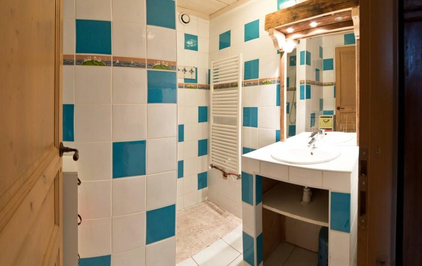 Location de vacances - Chalet à Albiez-Montrond - salle de douche 1er étage