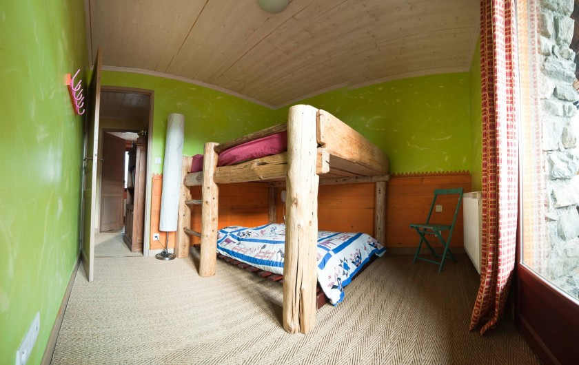 Location de vacances - Chalet à Albiez-Montrond - chambre 3 1er étage