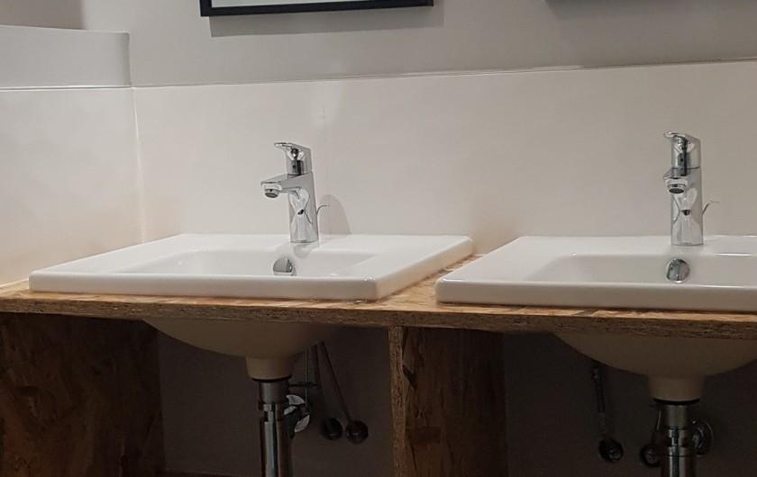 Location de vacances - Gîte à Laruns - Double vasque