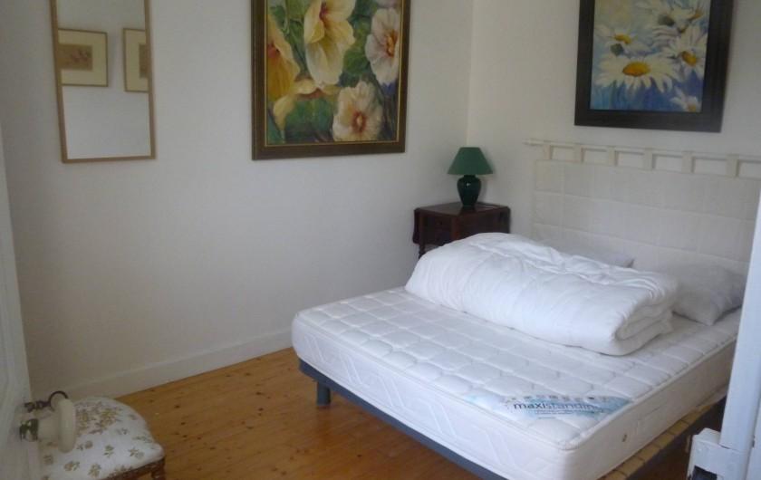Location de vacances - Maison - Villa à Agon-Coutainville - chambre au lit 2 personnes côté Est