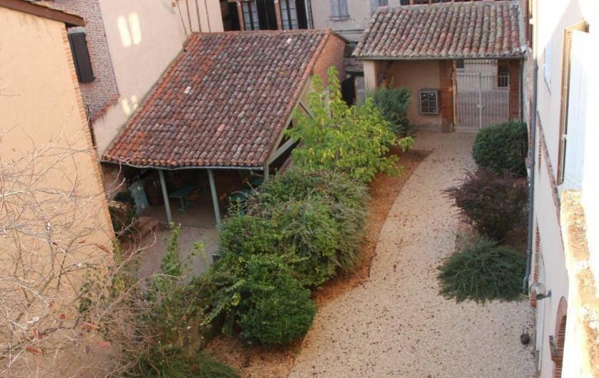 Location de vacances - Gîte à Albi - Entrée de la cour intérieure