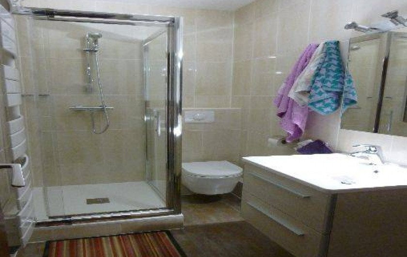Location de vacances - Appartement à Super Besse - salle de bain