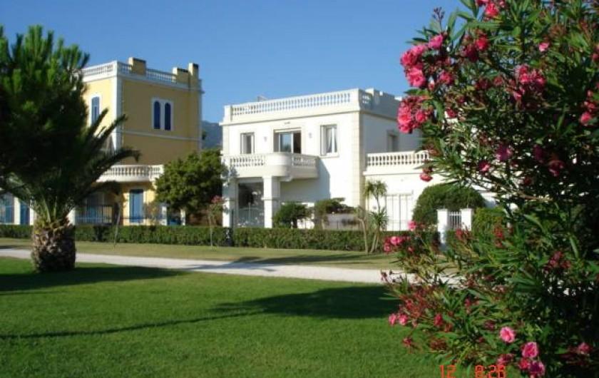 Location de vacances - Chalet à Argelès-sur-Mer - Villa vue depuis la promenade en bord de mer