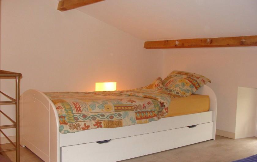 Location de vacances - Mas à Mirabel-et-Blacons - dortoir lit 1