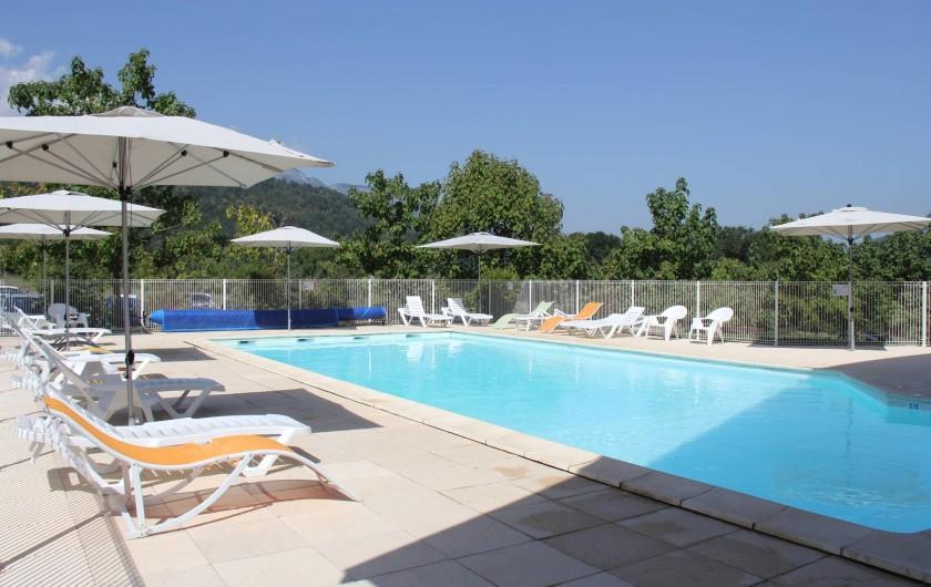 Location de vacances - Hôtel - Auberge à Giez - Piscine extérieure chauffée
