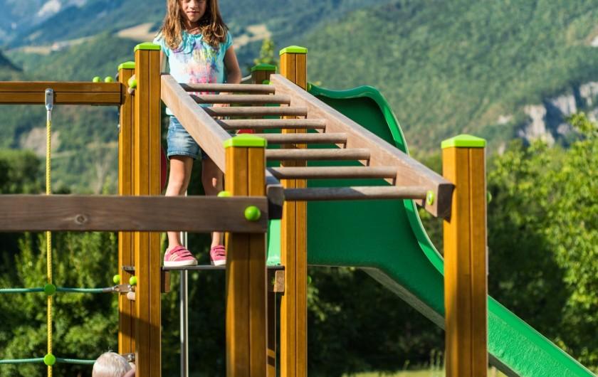 Location de vacances - Hôtel - Auberge à Giez - Aire de jeux pour enfants de 2 à 12 ans