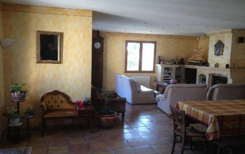 Location de vacances - Maison - Villa à Ensuès-la-Redonne - SALON SEJOUR AVEC CHEMINEE