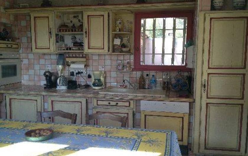 Location de vacances - Maison - Villa à Ensuès-la-Redonne - CUISINE ENTIEREMENT AMENAGEE
