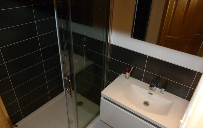 Location de vacances - Chalet à Séez - Salle de douche et WC chambre 3