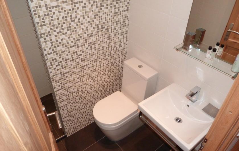 Location de vacances - Chalet à Séez - Salle de douche et WC chambre 6