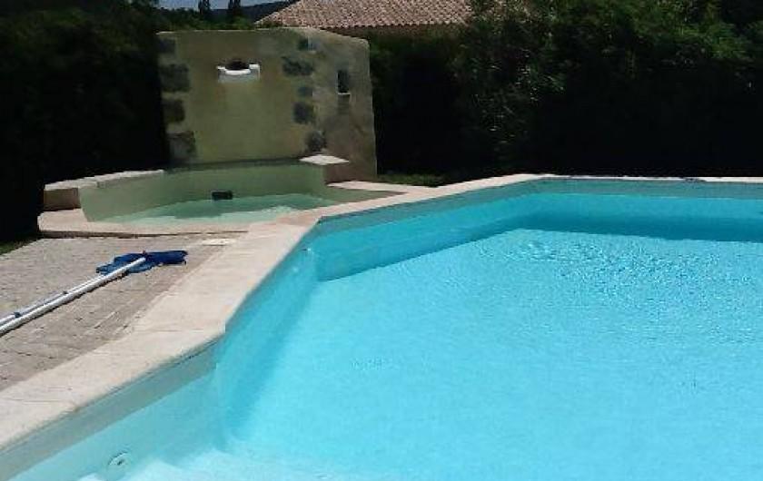 Location de vacances - Villa à Roussas - piscine et petit bassin