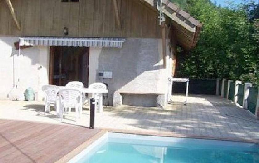Maison avec piscine entre lac et montagnes type chalet - Location maison avec piscine annecy ...