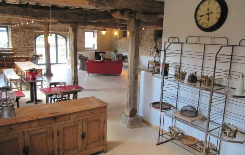 Location de vacances - Gîte à Roussennac - Vue depuis la cuisine de la maison d'hôtes