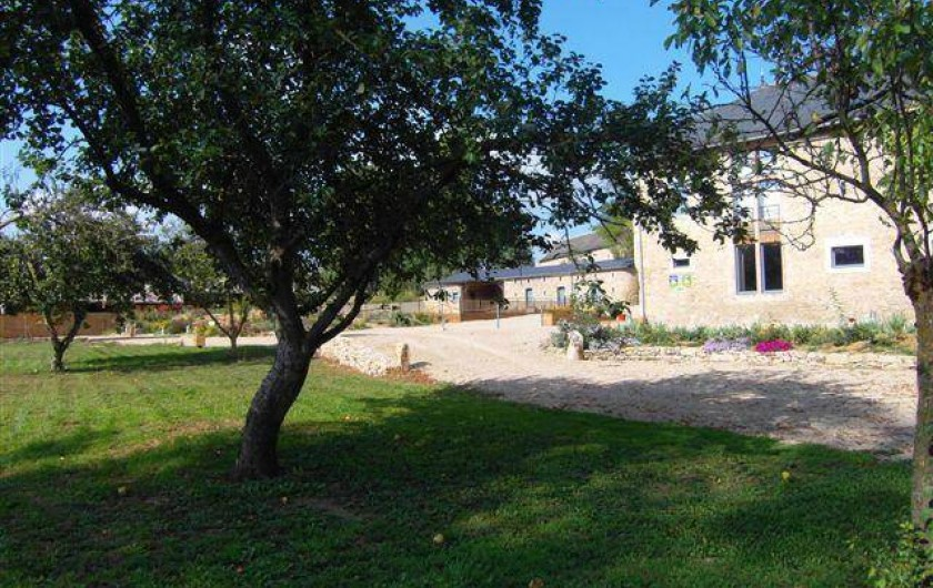 Location de vacances - Gîte à Roussennac - Arrivée au Mas