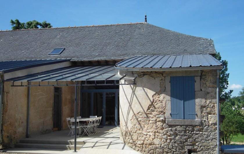 Location de vacances - Gîte à Roussennac - Entrée du gîte (vue extérieure)