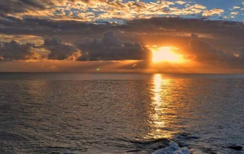 Location de vacances - Gîte à Kerlouan - Le coucher du soleil