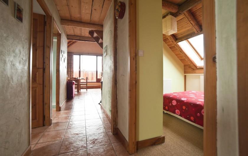 Location de vacances - Appartement à Albiez-le-Vieux - couloir/ vue séjour