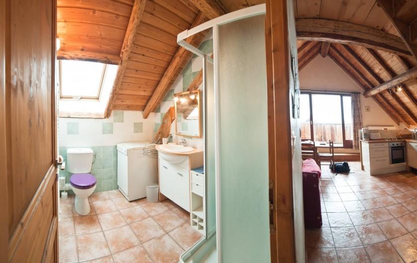 Location de vacances - Appartement à Albiez-le-Vieux - salle de douche  1 + wc