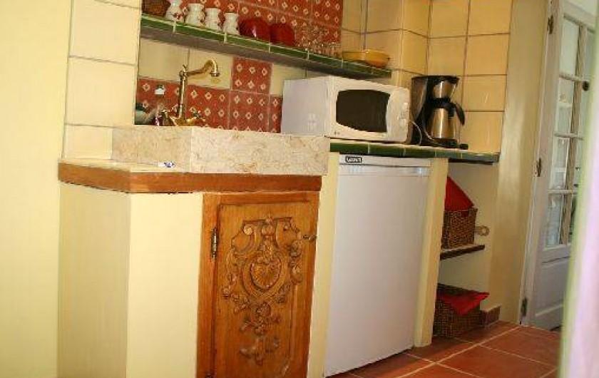 Location de vacances - Appartement à Collioure - Kitchenette se trouvant dans l'entrée