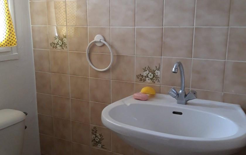 Location de vacances - Villa à Sainte-Maxime - salle de douche