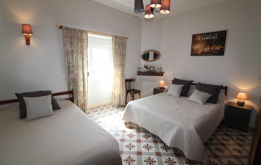 Location de vacances - Gîte à Aubenas - Chambre Ardéchoise