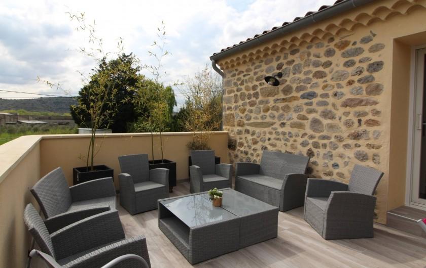 Location de vacances - Gîte à Aubenas - Coin détente sur la terrasse