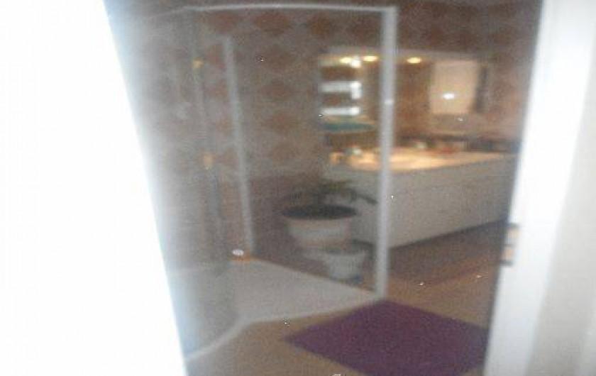 Location de vacances - Villa à Alès - Salle de bain  - douche rez de chaussée