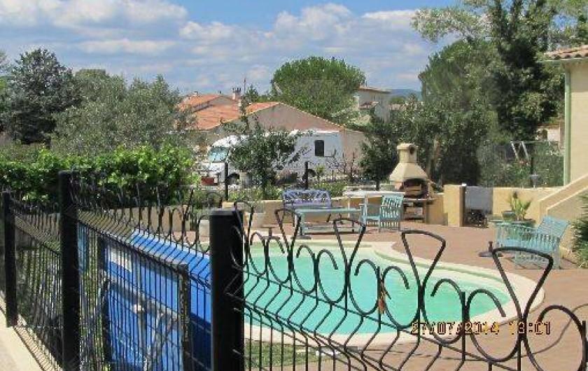 Location de vacances - Villa à Alès - coin piscine