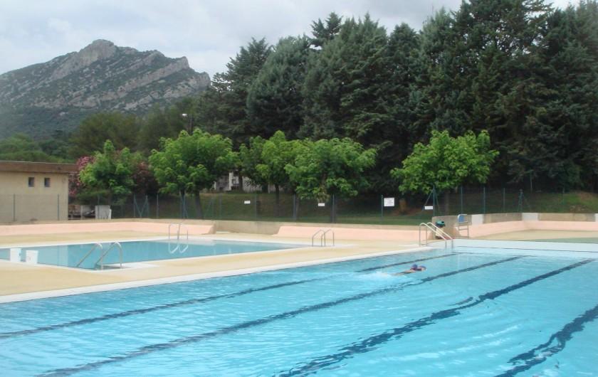 Location de vacances - Gîte à Saint-Hippolyte-du-Fort - piscine municipale