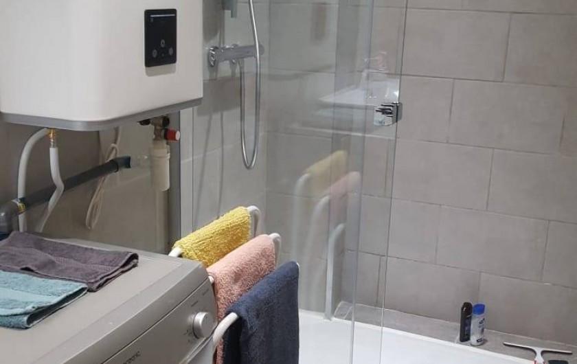 Location de vacances - Appartement à Nice - La salle de douche (à l'italienne)