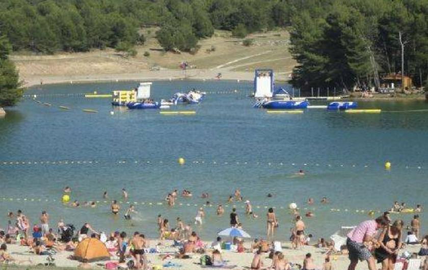 Location de vacances - Camping à Villemoustaussou - Le Lac de la Cavayère de Carcassonne